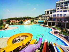 Бассейн отеля HORUS PARADISE LUXURY RESORT & CLUB HV-1/5*