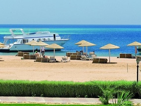 Пляж отеля MAGAWISH VILLAGE & RESORT 4*