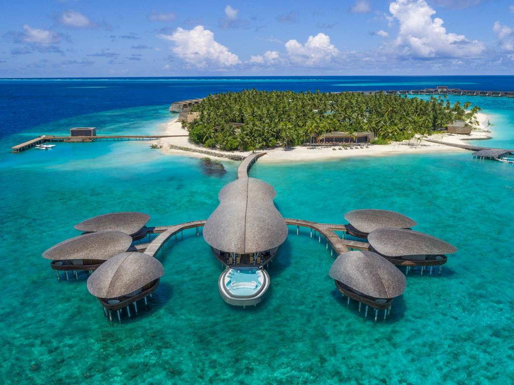 Отель THE ST. REGIS MALDIVES VOMMULI RESORT 5**