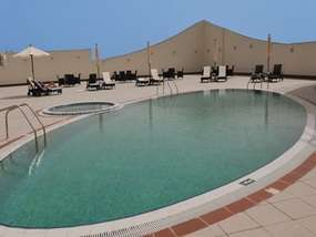 Бассейн отеля FIVE CONTINENTS CASSELS AL BARSHA 4*
